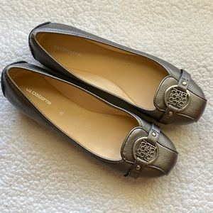 NWOT Silver Leather Flats